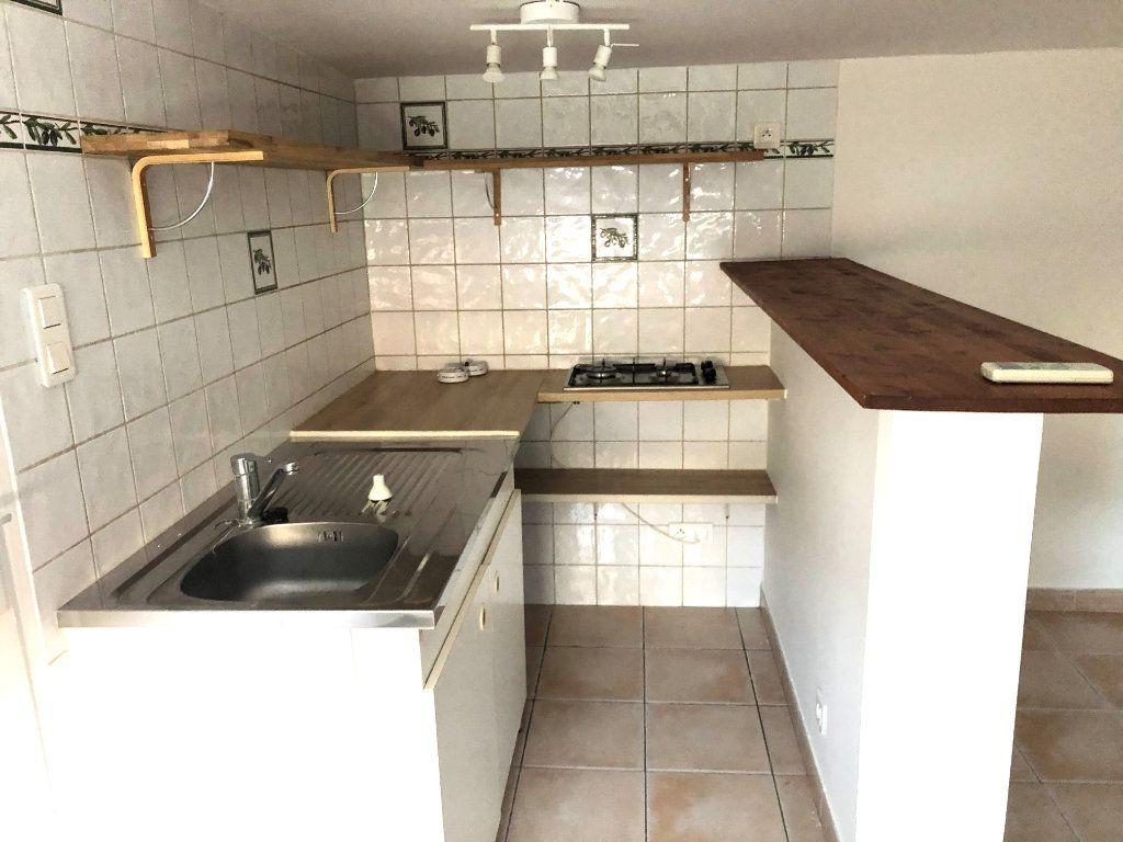 Appartement à louer 1 34m2 à Martigues vignette-3