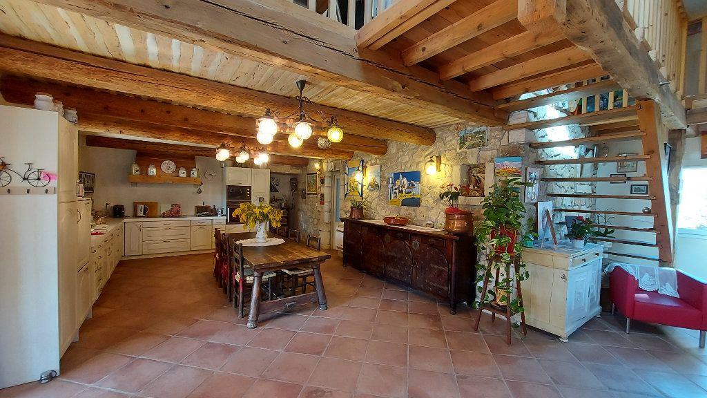 Maison à vendre 6 200m2 à Saint-Mitre-les-Remparts vignette-1