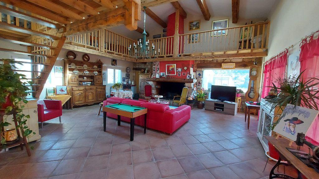 Maison à vendre 6 200m2 à Saint-Mitre-les-Remparts vignette-3