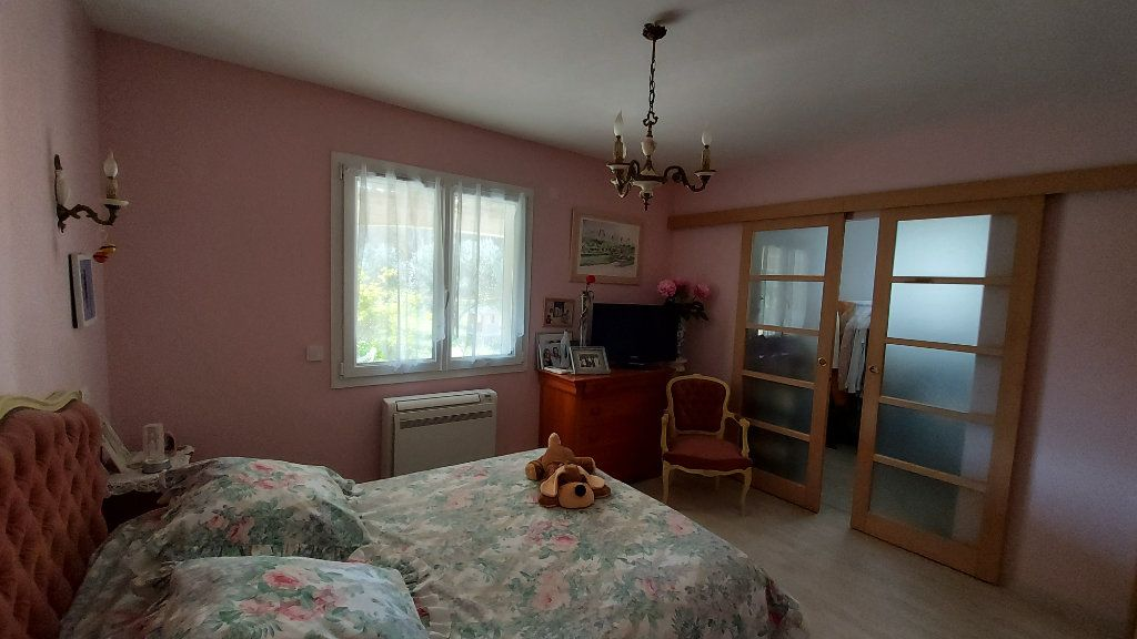 Maison à vendre 6 200m2 à Saint-Mitre-les-Remparts vignette-7