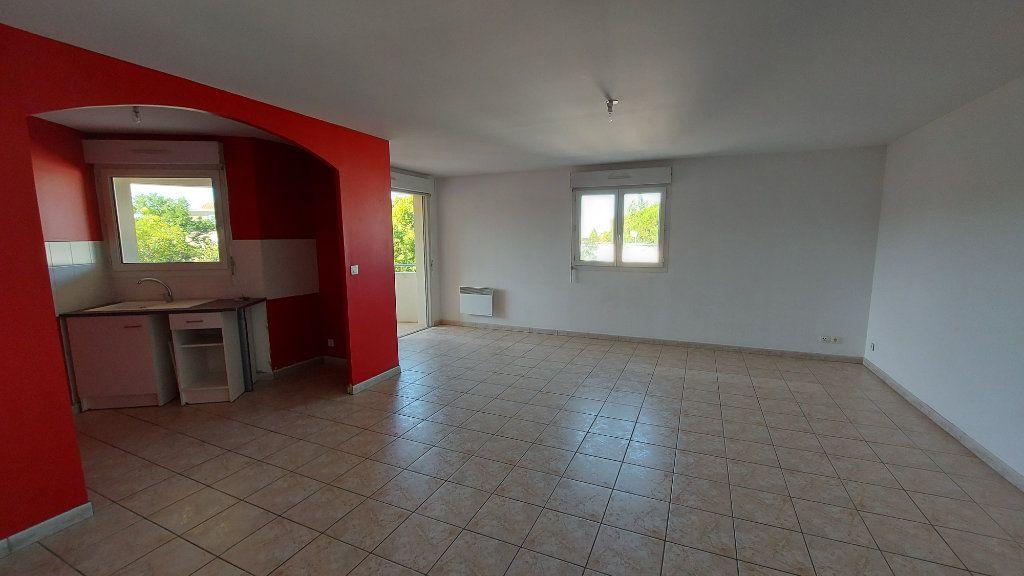 Appartement à vendre 3 70.12m2 à Istres vignette-1