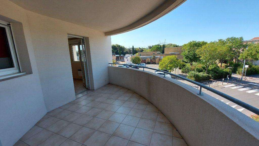 Appartement à vendre 3 70.12m2 à Istres vignette-2