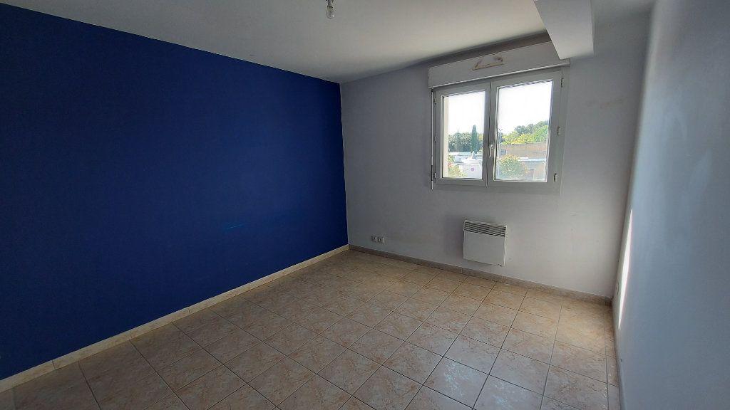 Appartement à vendre 3 70.12m2 à Istres vignette-3
