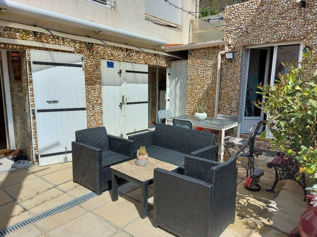Appartement à vendre 2 53m2 à Fos-sur-Mer vignette-1