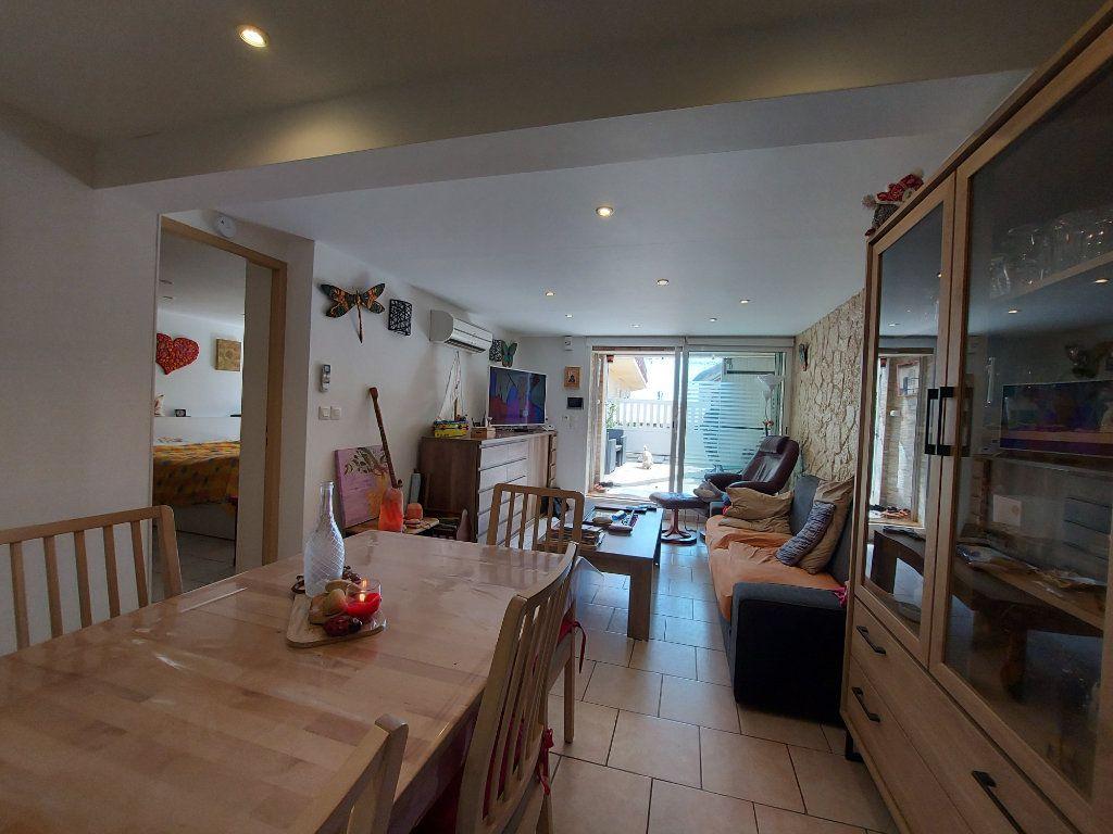 Appartement à vendre 2 53m2 à Fos-sur-Mer vignette-3