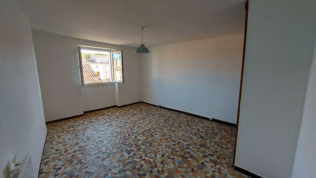 Appartement à louer 2 46.11m2 à Istres vignette-5