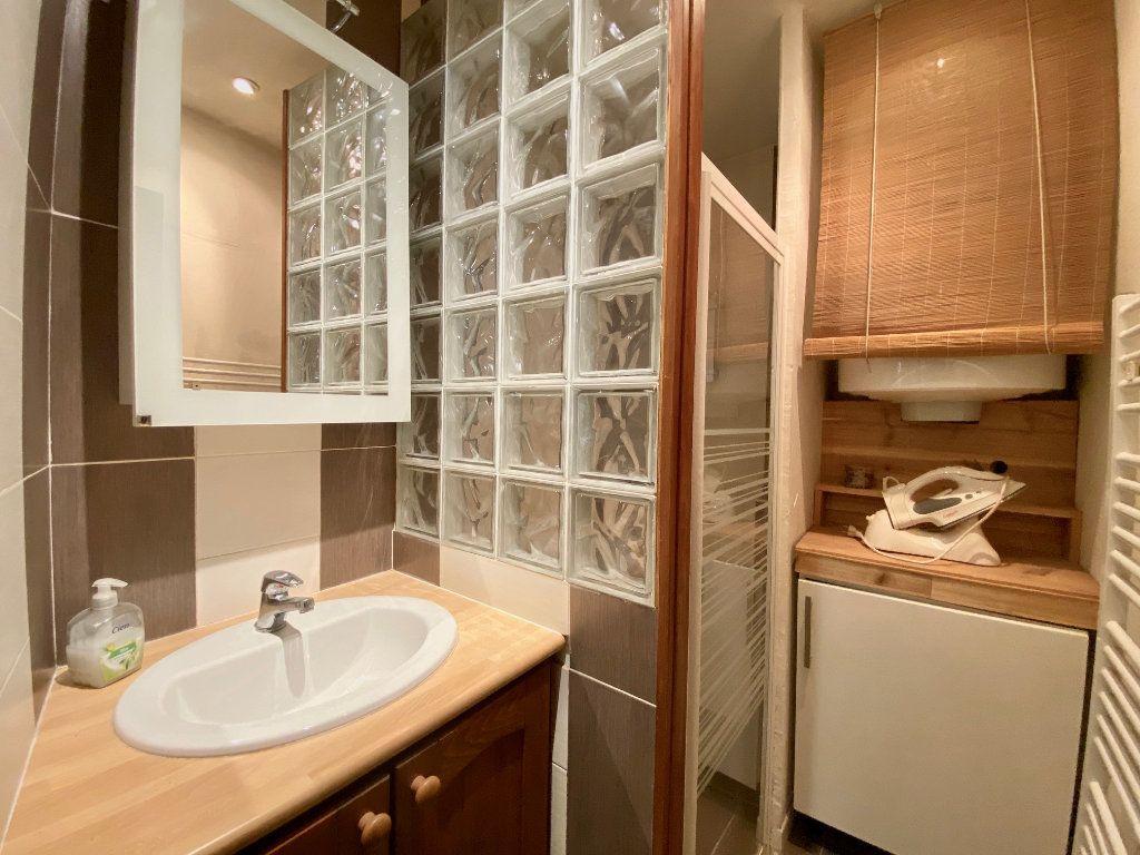 Appartement à louer 1 22.71m2 à Villeneuve-Loubet vignette-3