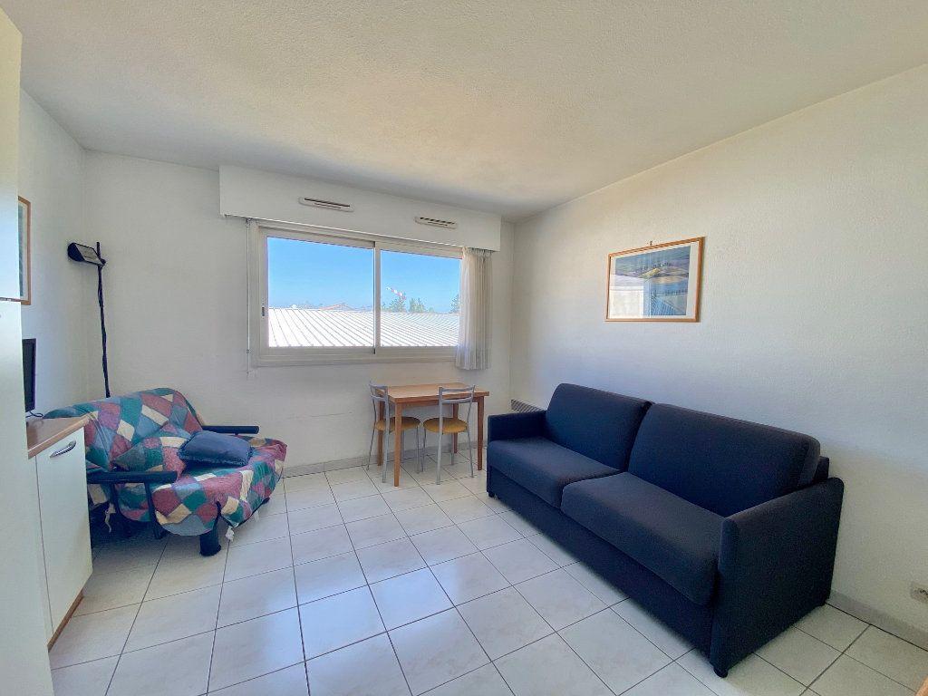 Appartement à louer 1 20.4m2 à Villeneuve-Loubet vignette-1