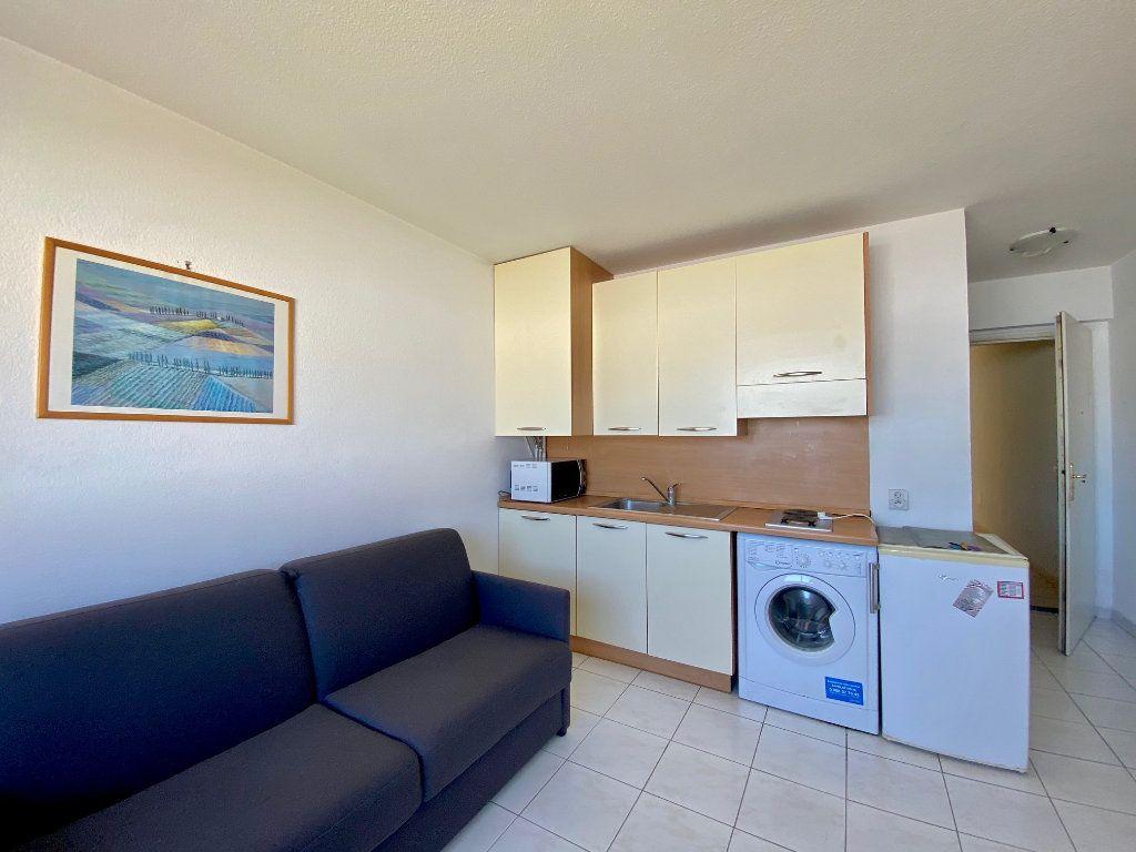 Appartement à louer 1 20.4m2 à Villeneuve-Loubet vignette-2