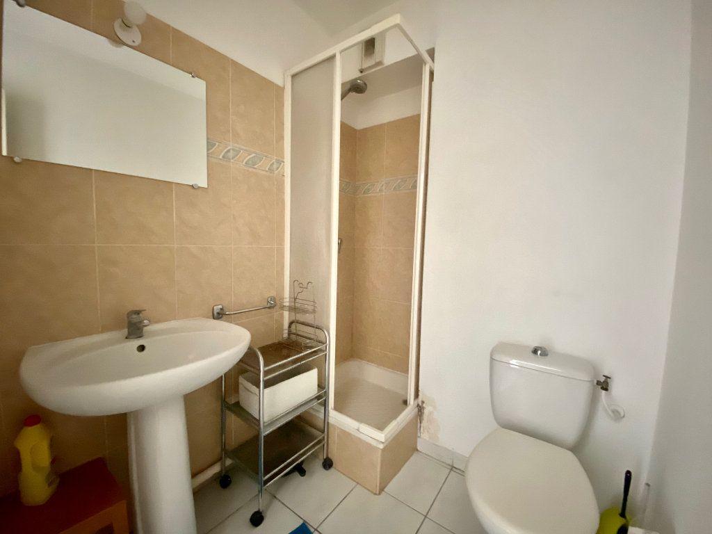 Appartement à louer 1 20.4m2 à Villeneuve-Loubet vignette-4