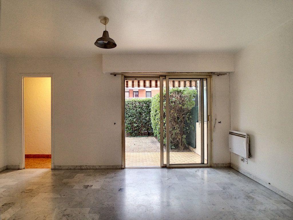 Appartement à louer 1 27.81m2 à Villeneuve-Loubet vignette-2
