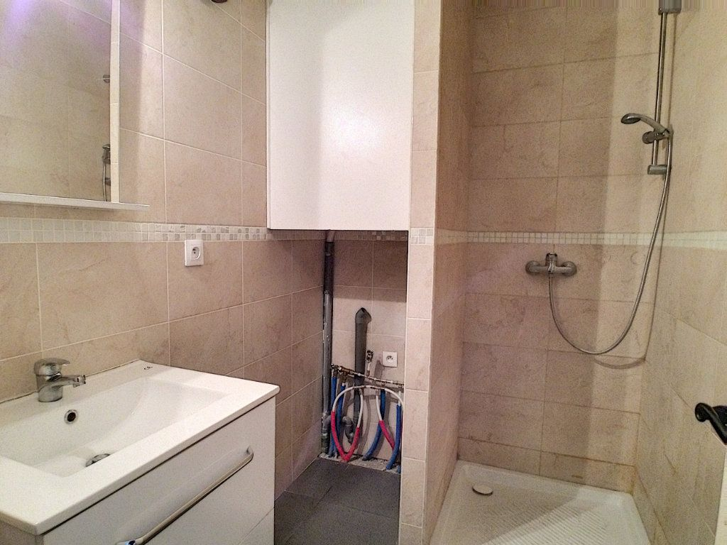 Appartement à louer 1 27.81m2 à Villeneuve-Loubet vignette-4