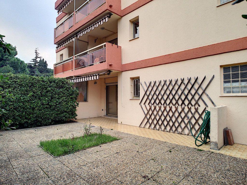 Appartement à louer 1 27.81m2 à Villeneuve-Loubet vignette-5