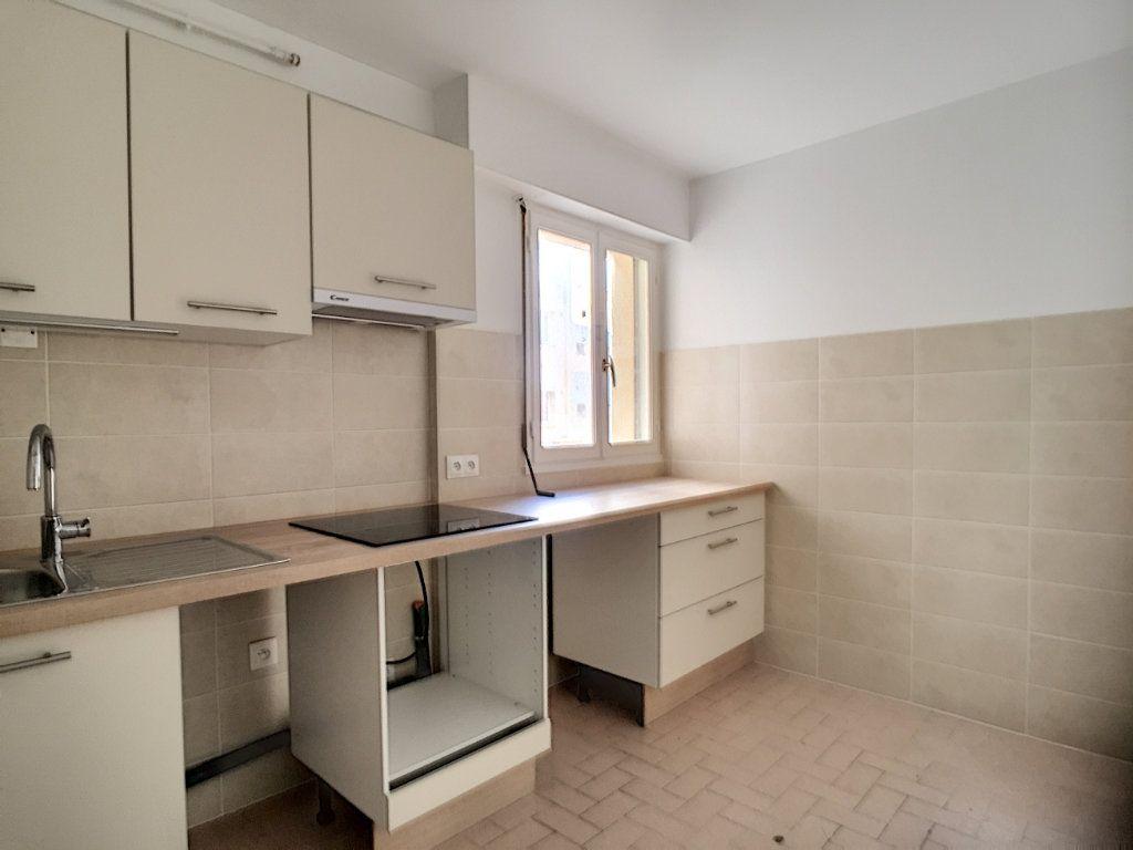 Appartement à louer 2 51.05m2 à Cagnes-sur-Mer vignette-1
