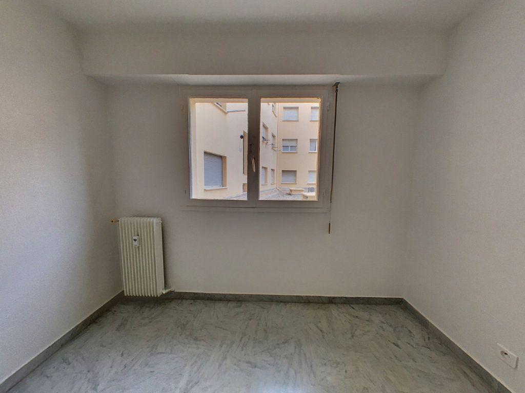 Appartement à louer 2 51.05m2 à Cagnes-sur-Mer vignette-3