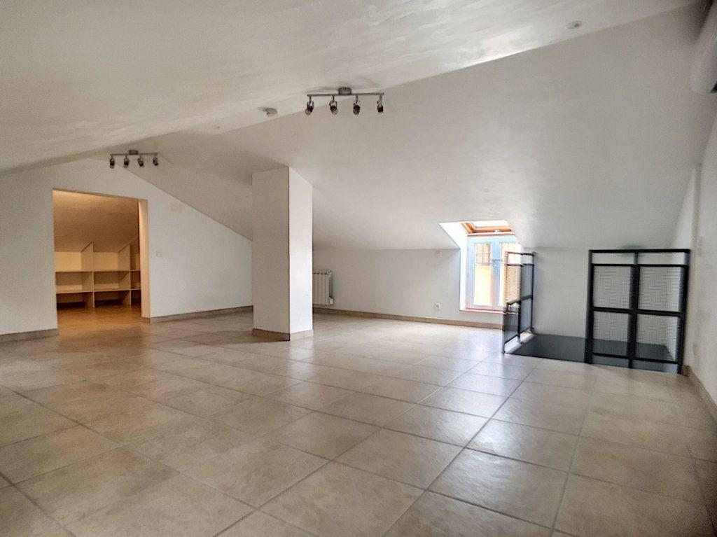 Appartement à louer 3 82.26m2 à Villeneuve-Loubet vignette-6