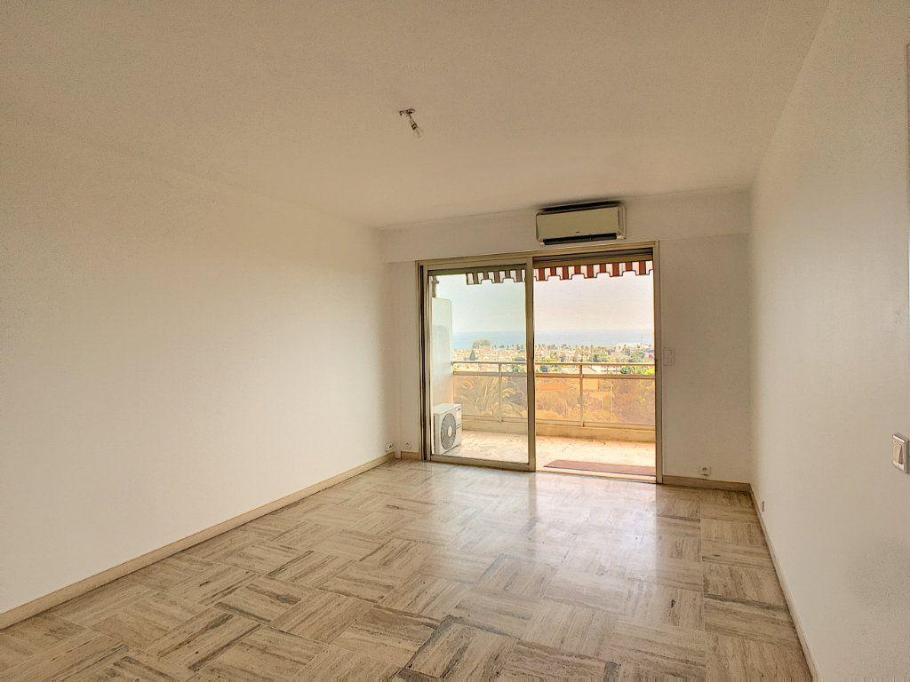Appartement à louer 2 50.27m2 à Villeneuve-Loubet vignette-3