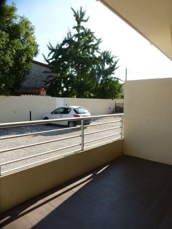 Appartement à louer 2 32.35m2 à Villeneuve-Loubet vignette-6