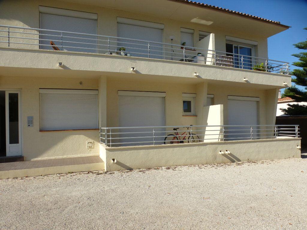 Appartement à louer 2 32.35m2 à Villeneuve-Loubet vignette-7
