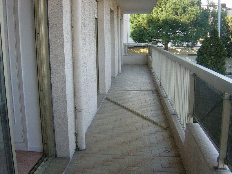Appartement à louer 3 69.9m2 à Saint-Laurent-du-Var vignette-2