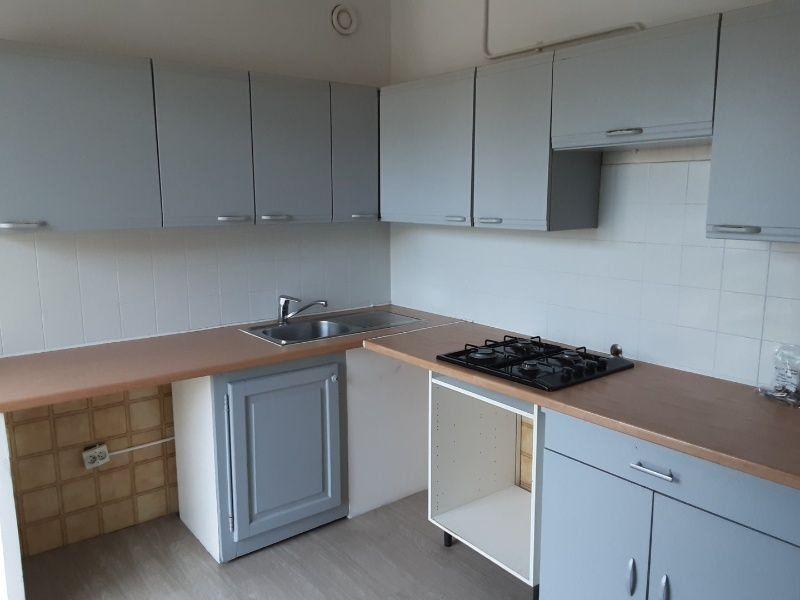 Appartement à louer 3 69.9m2 à Saint-Laurent-du-Var vignette-5