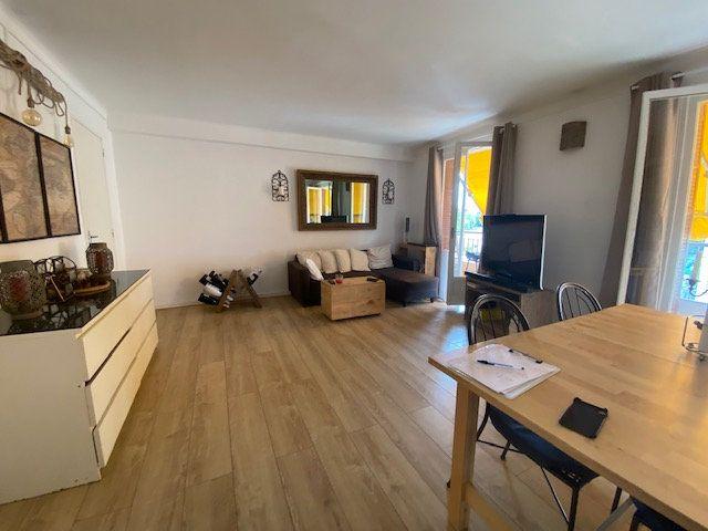 Appartement à louer 4 78.3m2 à Cagnes-sur-Mer vignette-1