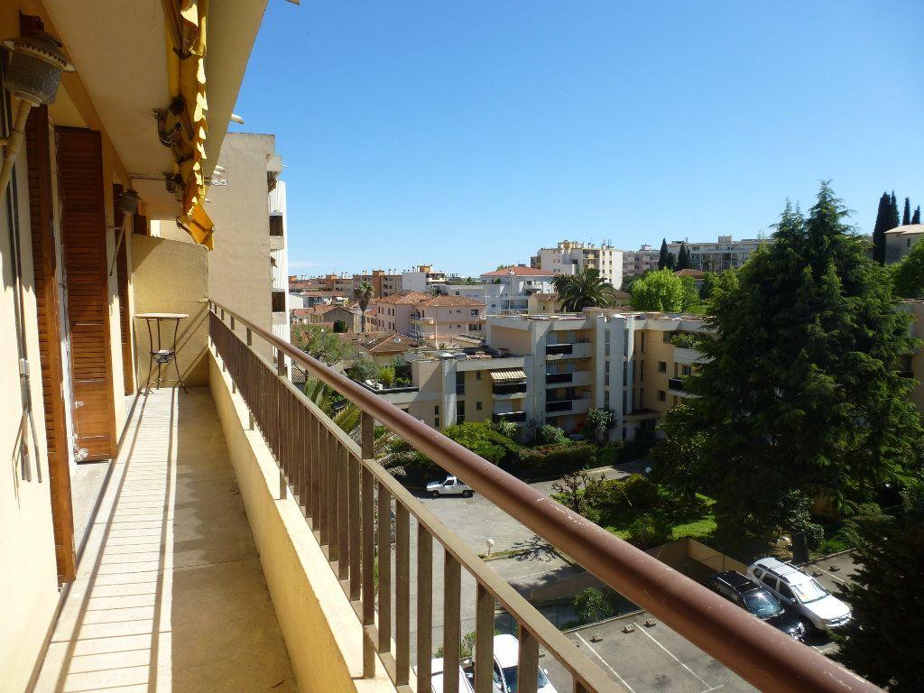 Appartement à louer 4 78.3m2 à Cagnes-sur-Mer vignette-5