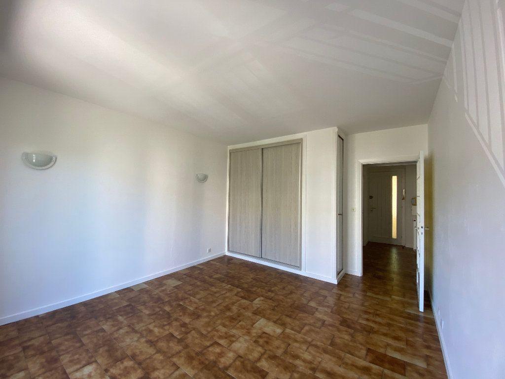 Appartement à louer 1 27.9m2 à Villeneuve-Loubet vignette-4