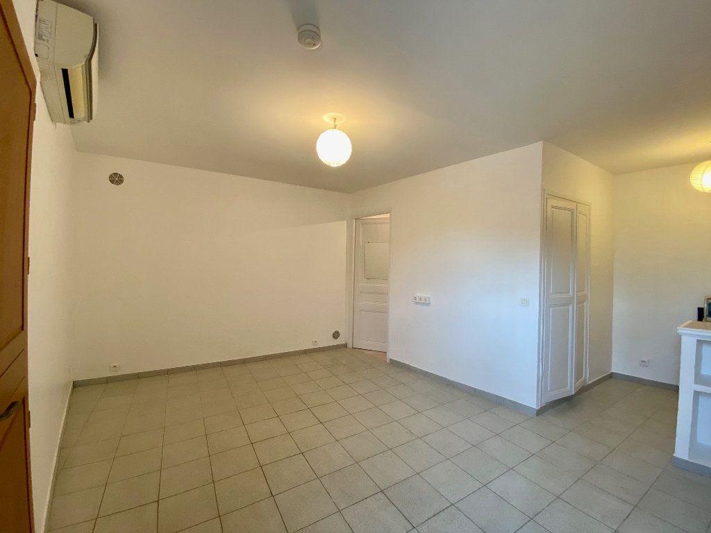 Appartement à louer 1 26.76m2 à Vence vignette-2