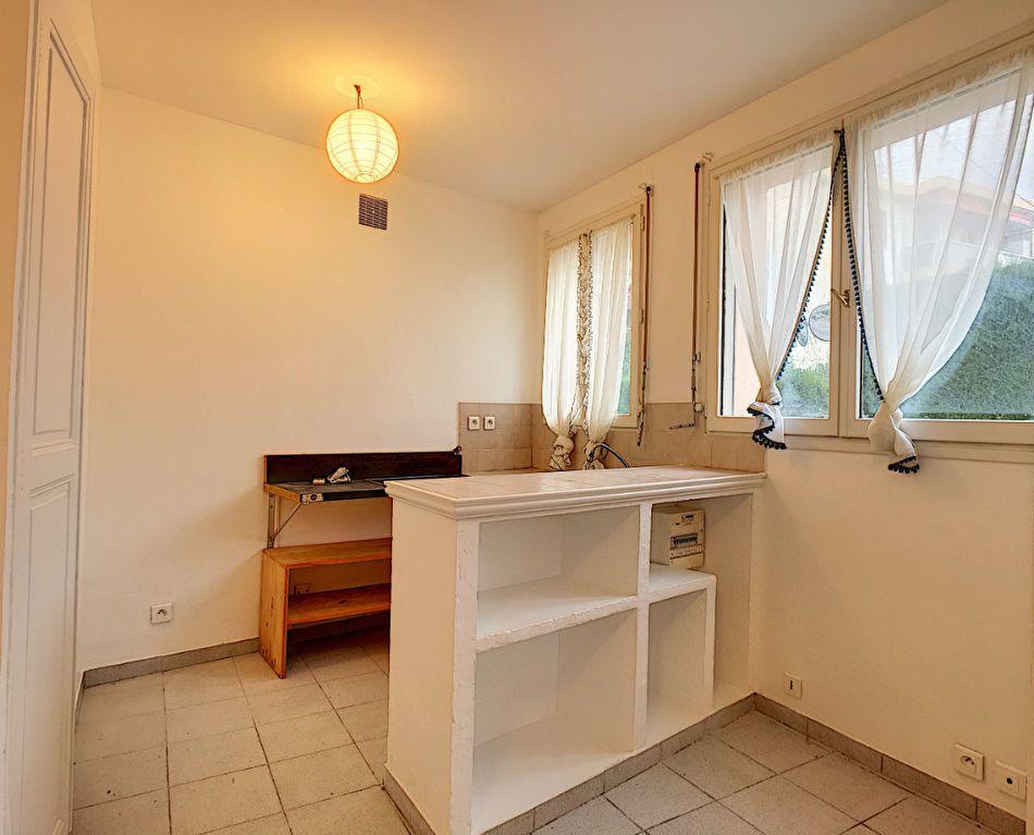 Appartement à louer 1 26.76m2 à Vence vignette-5
