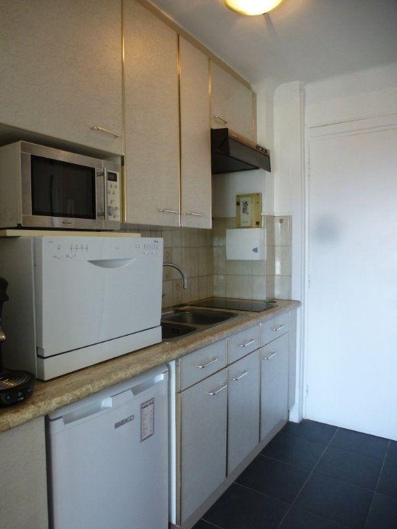 Appartement à louer 1 21.49m2 à Villeneuve-Loubet vignette-3
