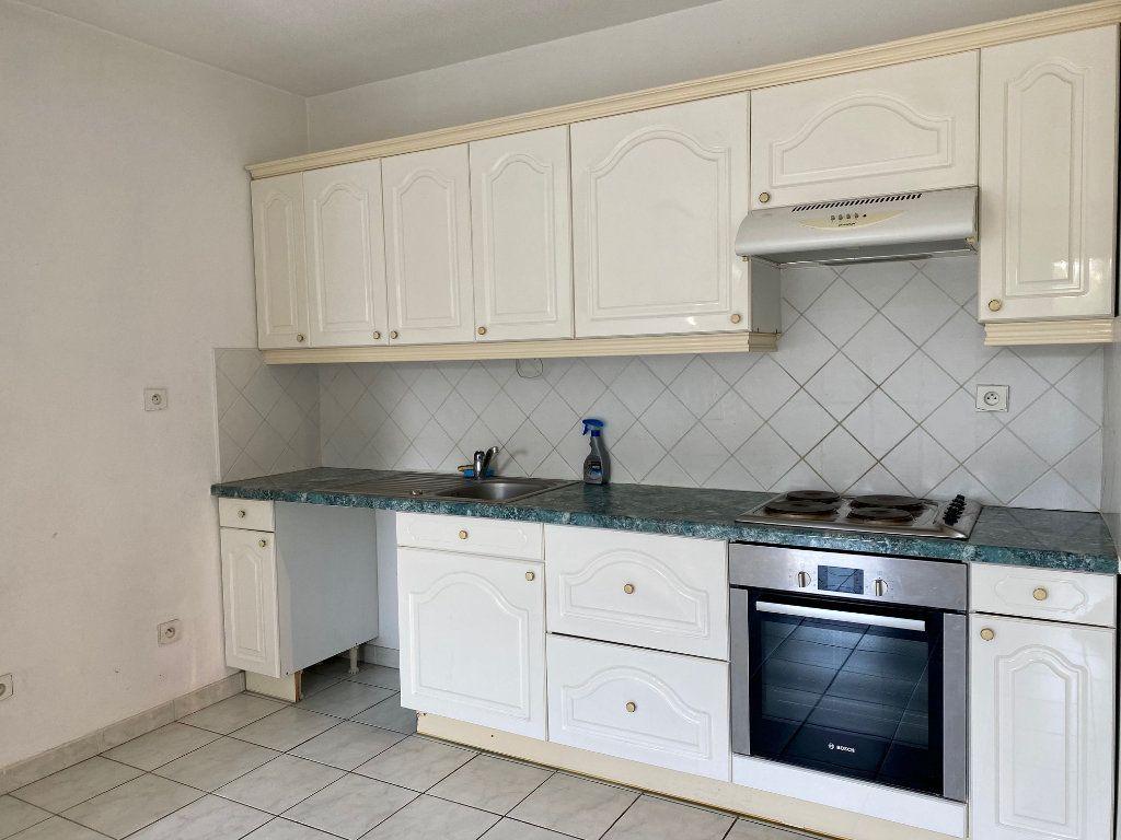 Appartement à louer 2 55.21m2 à Villeneuve-Loubet vignette-2