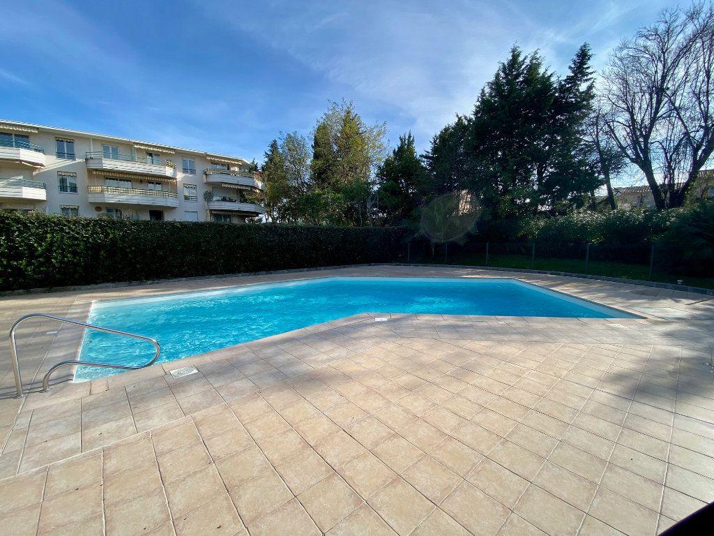 Appartement à louer 2 55.21m2 à Villeneuve-Loubet vignette-7