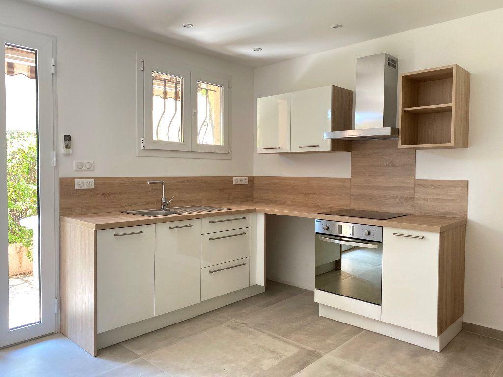 Appartement à louer 1 29.34m2 à Villeneuve-Loubet vignette-2