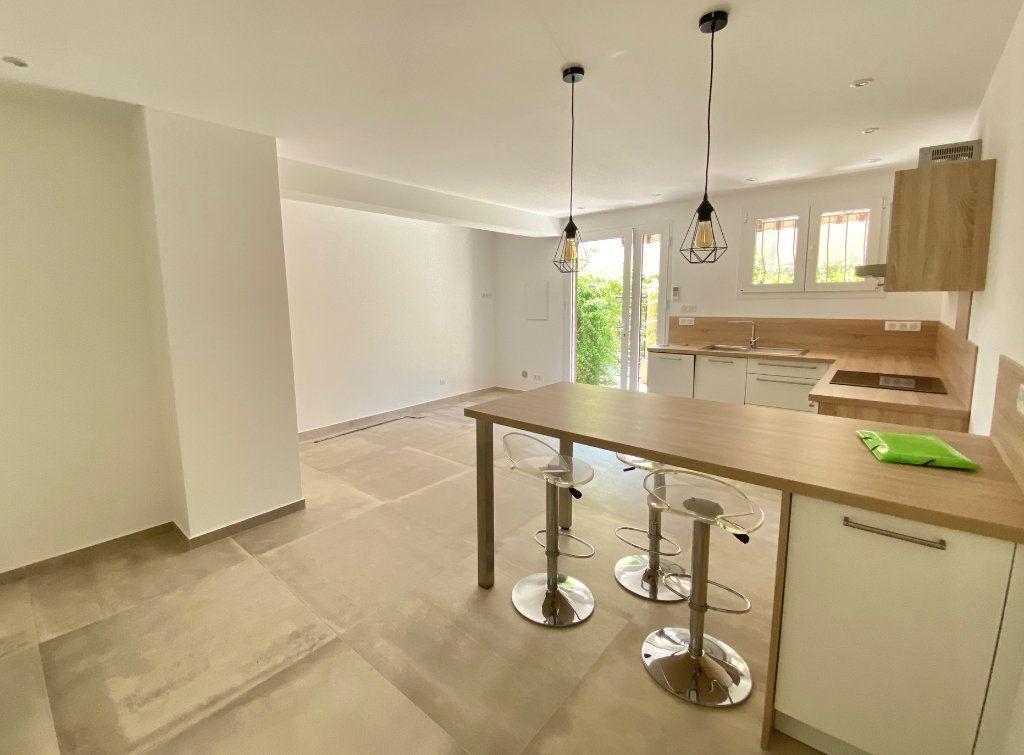 Appartement à louer 1 29.34m2 à Villeneuve-Loubet vignette-3