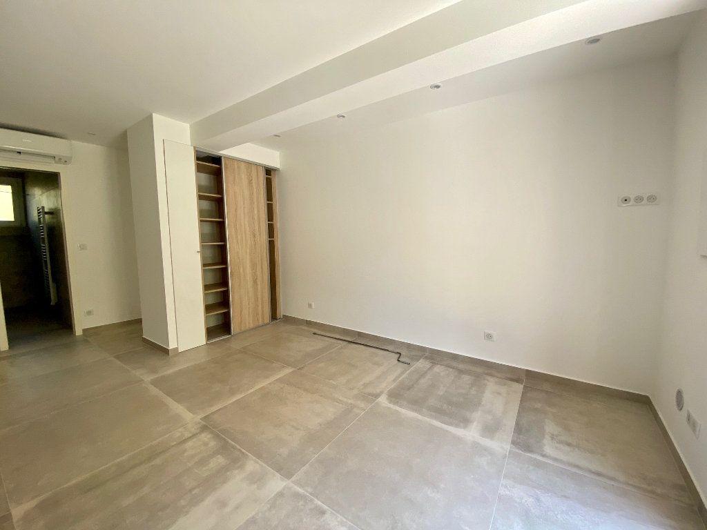 Appartement à louer 1 29.34m2 à Villeneuve-Loubet vignette-6
