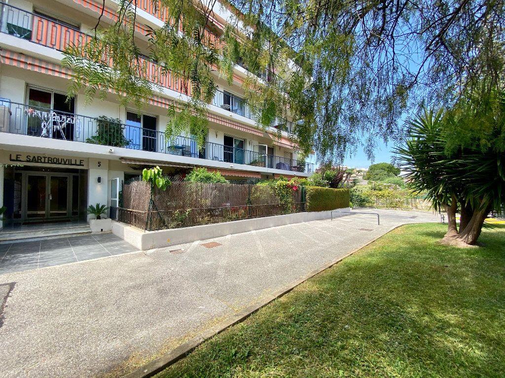 Appartement à louer 4 83.83m2 à Cagnes-sur-Mer vignette-3