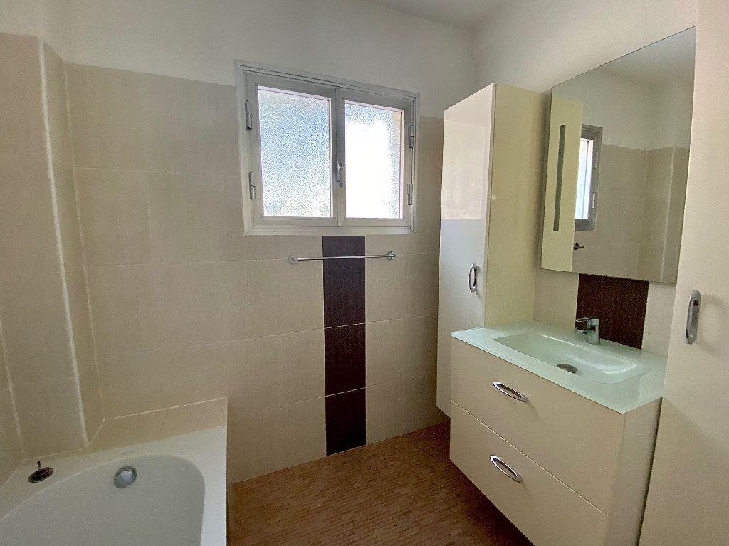 Appartement à louer 4 83.83m2 à Cagnes-sur-Mer vignette-6