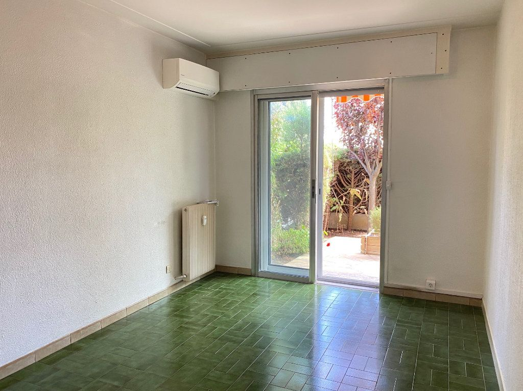 Appartement à louer 4 83.83m2 à Cagnes-sur-Mer vignette-7