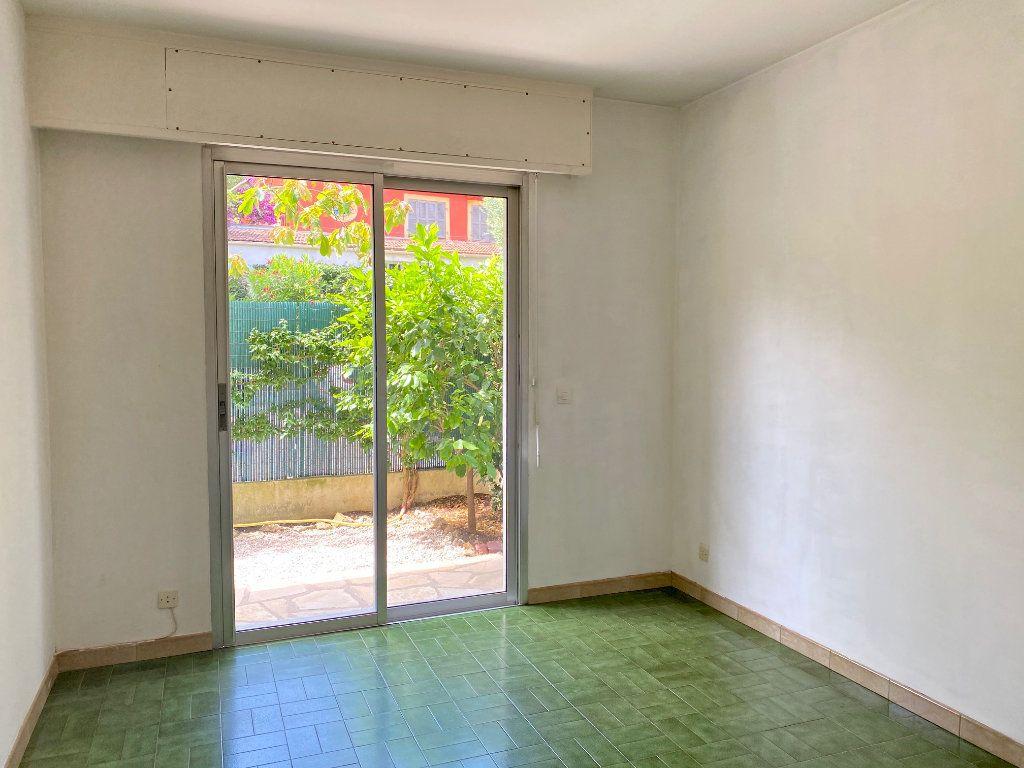 Appartement à louer 4 83.83m2 à Cagnes-sur-Mer vignette-9