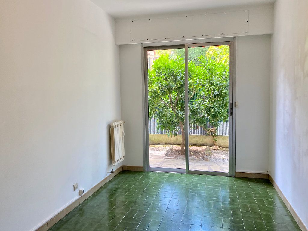 Appartement à louer 4 83.83m2 à Cagnes-sur-Mer vignette-10