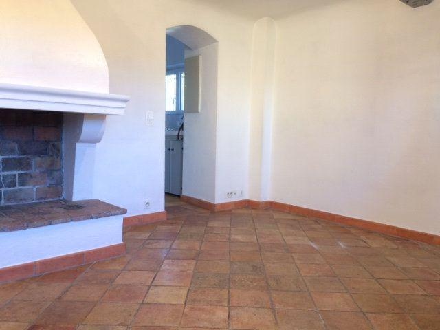 Appartement à louer 2 33.15m2 à Villeneuve-Loubet vignette-2
