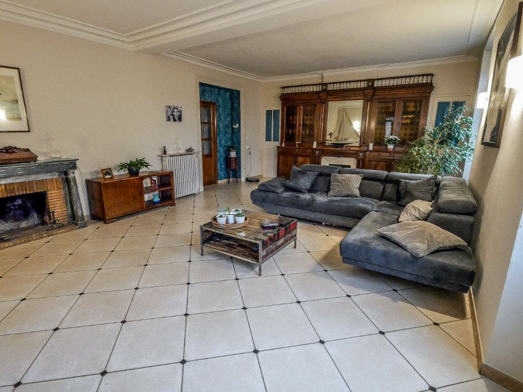 Maison à vendre 6 220m2 à La Ferté-Alais vignette-2