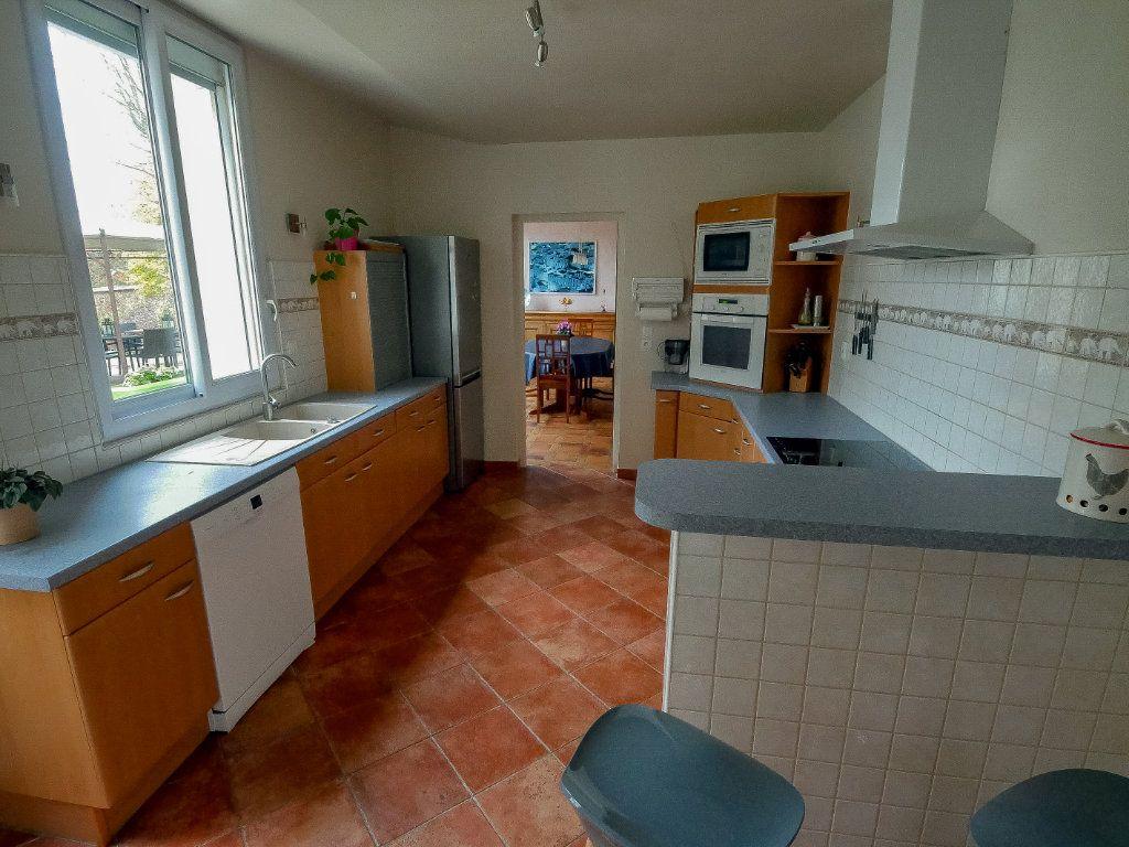 Maison à vendre 6 220m2 à La Ferté-Alais vignette-3