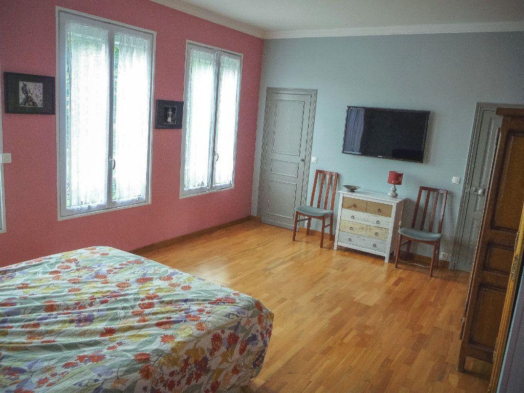Maison à vendre 6 220m2 à La Ferté-Alais vignette-6