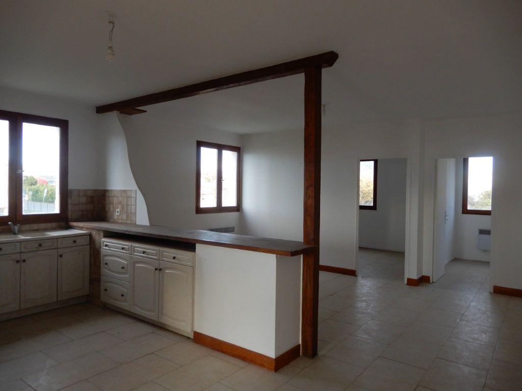 Immeuble à vendre 0 90m2 à Milly-la-Forêt vignette-4