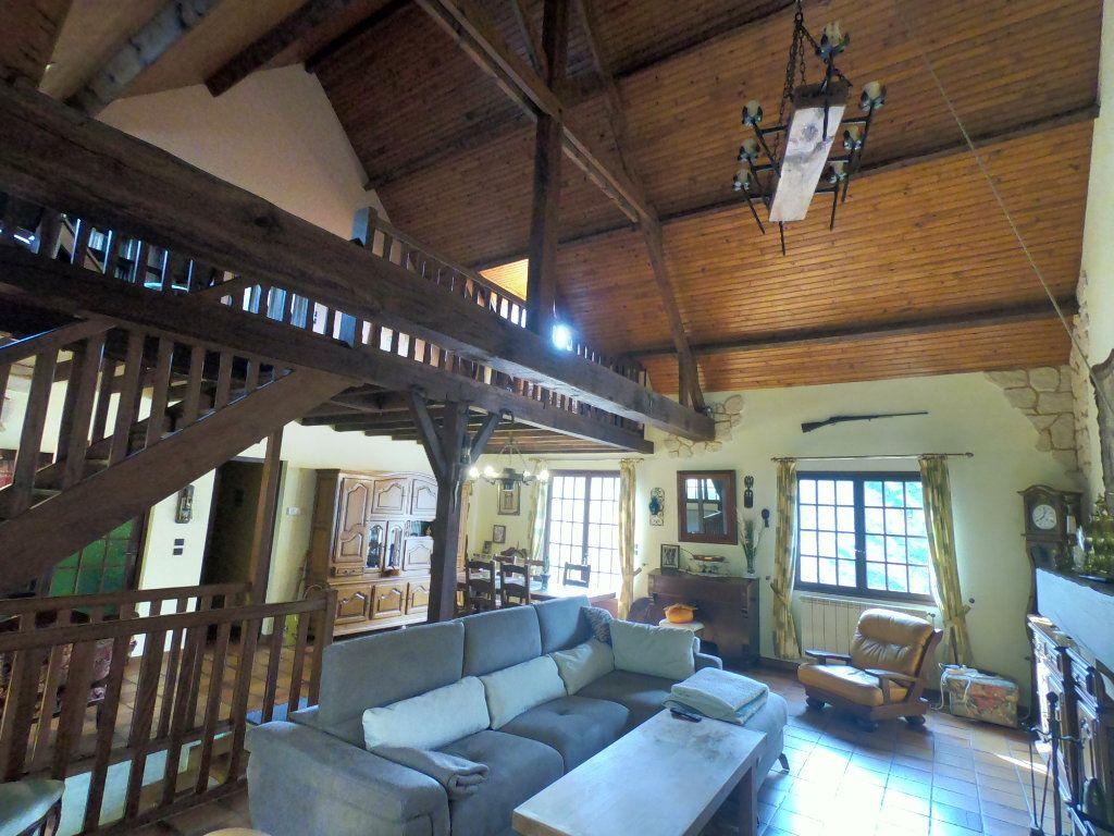 Maison à vendre 5 135m2 à La Ferté-Alais vignette-5