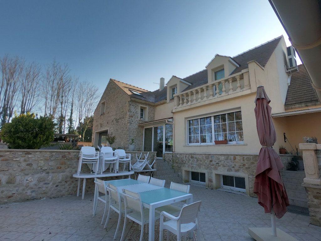 Maison à vendre 9 286.3m2 à La Ferté-Alais vignette-1