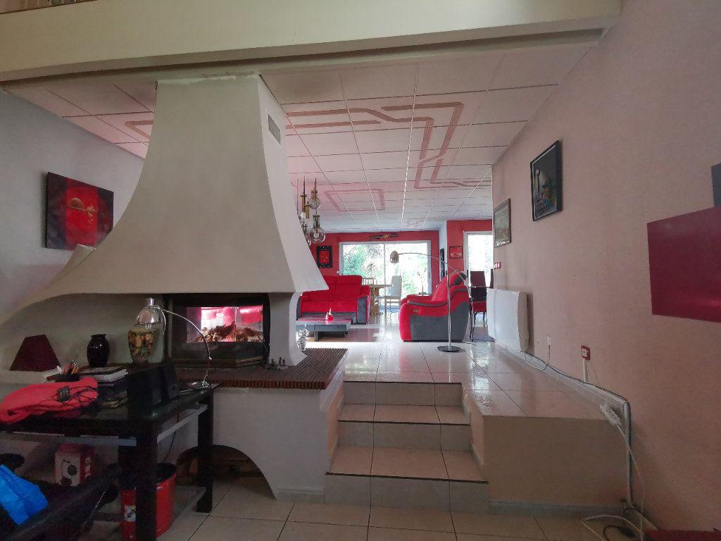 Maison à vendre 5 254m2 à La Ferté-Alais vignette-5