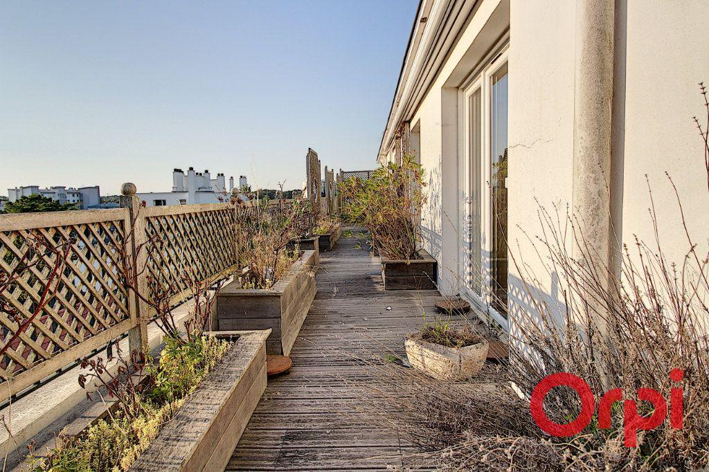 Appartement à vendre 8 177.25m2 à Nantes vignette-11